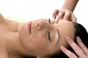 Massage lissant pour le front